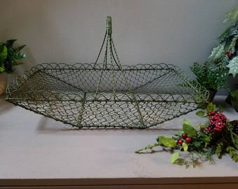 Large Wire Gathering Basket Green Scalloped Edges Basket with Handle Farmhouse