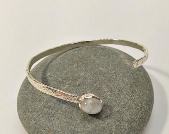Sterling silver bracelet set with a Labradorite (Moon stone)