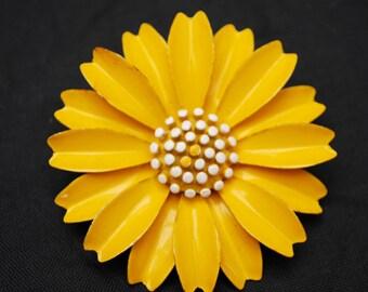 Crown Trifari Flower Brooch - Yellow white Daisy  - Enamel on Metal - large  Floral  pin -
