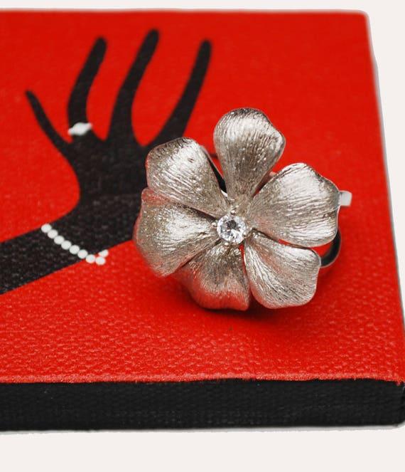 Sterling Ring  - :arge Silver daisy  Flower - Clear Rhinestone - size 9 - Boho