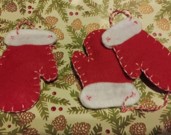 Mitten Christmas ornament; Mitten; holiday ornament; Christmas gift; stocking stuffer