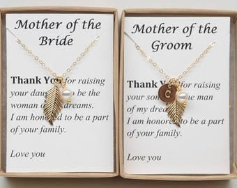 Set of 2 Mother of the bride and groom wedding gift necklace-Personalized Gold filled Leaf with Pearl Necklace-Future Mother in Law Gift