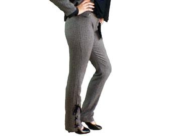 Pantalon droit femme en chevron gris-noir lacé en bas de jambe avec poche amovible