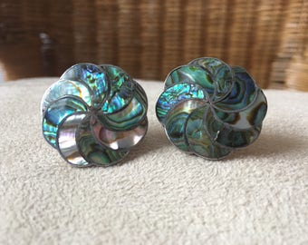 Gorgeous vintage sterling silver and abalone screw on earrings, Mexico.