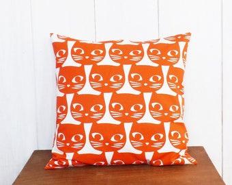 Cushion cover 40 x 40 cm orange cats pattern