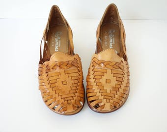 Vintage 80s Huarache Sandals Brown Woven Leather Sandald Platforms Slip on Low Heel Made in Mexico, Size 5