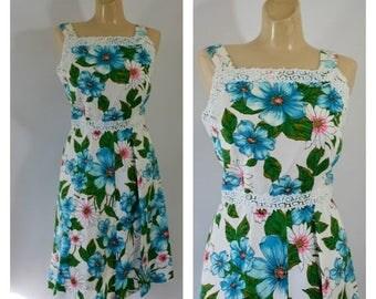 Sale Vintage Dress / 1970's Dress / Blue Hibiscus Dress / Beach Dress /  Vintage Sun Dress M