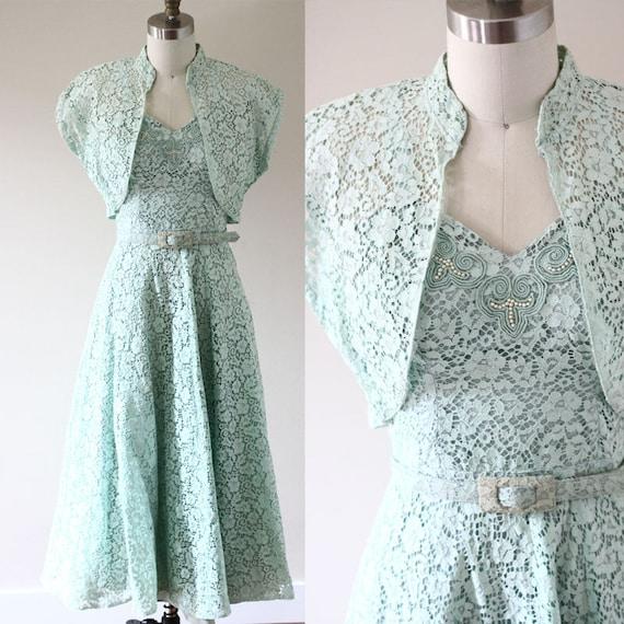 1950s green floral lace dress //1950s mint green dress // vintage dress