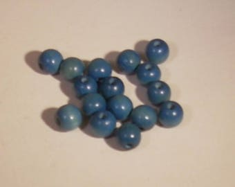 Set of 10 round wooden beads blue 7mm