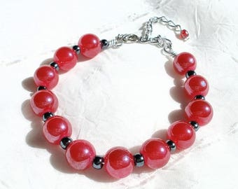 Bracelet raspberry glass beads