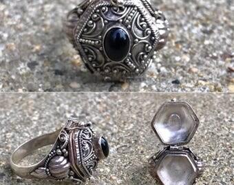 poison ring locket sterling silver onyx vintage keepsake ornate filigree ring size 10.25
