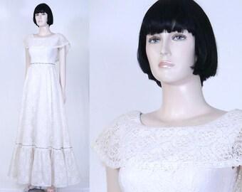 Vintage 1970s House of Bianchi Lace Wedding Dress - Size 9 - Country Wedding Dress - 2 Layer Slip Included - Boho Wedding - Ruffles