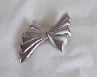 Vintage  Large Silver Tone Bow For Crafts //8