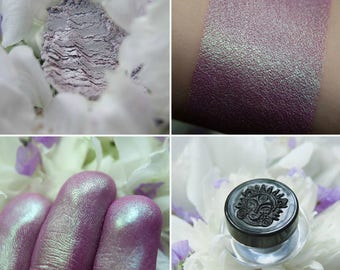 Eyeshadow: Born in Crocus - Fairy. Pink chameleon eyeshadow by SIGIL inspired.