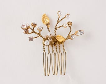 Crystal hair comb with leaves