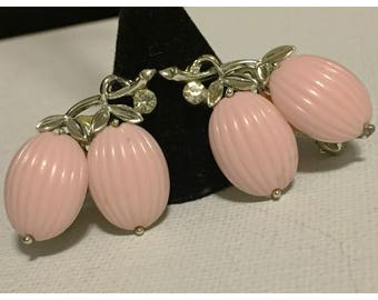 Vintage Lisner Pink Thermoset Clip on Earrings, Bridal, Bridesmaid earrings, Pink Lisner earrings