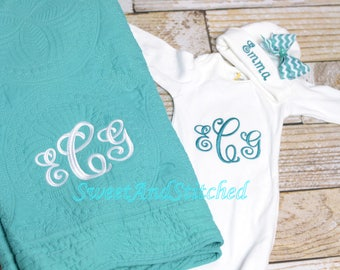 Personalized Baby Girl or Boy Gift Set, Baby girl layette gift set, baby boy Quilt, gown and hat, Monogrammed quilt gown and hat in teal