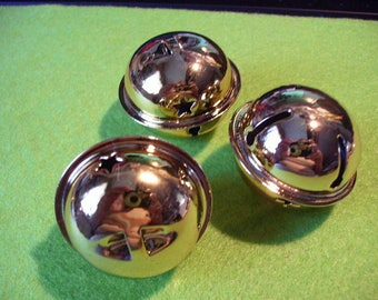 3 bells, gold colored (681)