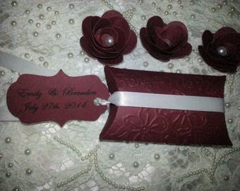 200  WILDFLOWERS WEDDING  FAVORS Custom Bride & Groom Names