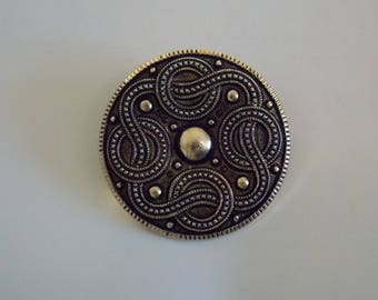 Western Germany Scarf Clip. Black Scarf Clip With Swirls.