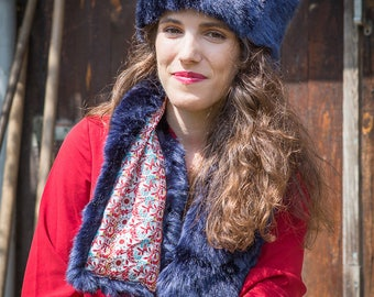 Cross scarf faux fur and liberty