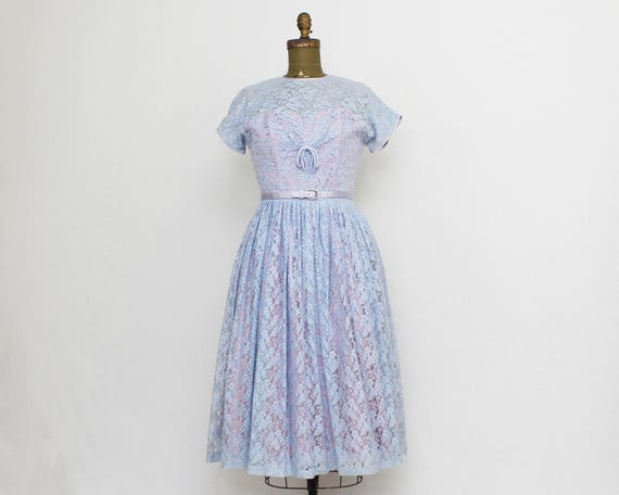 Vintage 1950s Periwinkle Lace Sweetheart Dress - Size Small