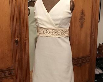 Vintage 1960s Mod Crimplene White Mini Dress