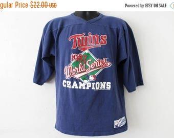 ON SALE LARGE Vintage 1987 Minnesota Twins Champion Graphic Shirt