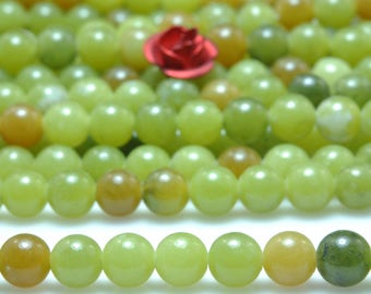 92 pcs of Natural Green Jade smooth round beads in 4mm