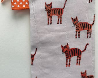 X-Small Tiger Zip Pouch