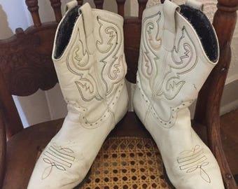 SUMMER SALE 20% OFF Vintage White Leather Women's Short Ankle Cowboy Boots Size 6