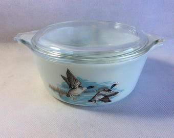 Vintage Pyrex bowl casserole dish Wildfowl pattern rare space saver rustic decor small deeper size bowl with lid wild ducks pattern 01180200