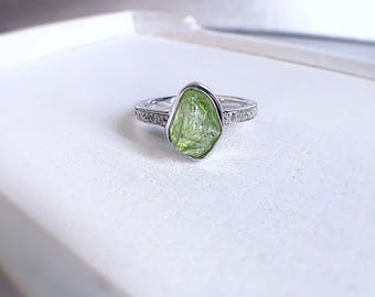Rough peridot ring, peridot ring, engagement ring, alternative bridal, raw peridot ring, gift for her, ooak crystal ring, August birthstone