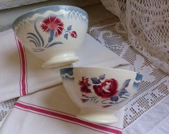 Set of 2 french vintage red and blue stencilware bowls. Cappucino bowl. Red blue stencilware. Café au lait bowl. French country kitchen