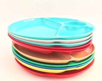 Vintage Picnic Plates Plastic Divided Patio Dishes Colored BBQ Plate Set of 10