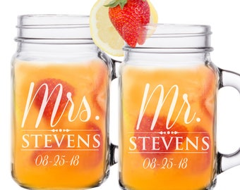 Mr and Mrs Mason Jar, Personalized Mason Jars, Etched Mason Jar, Anniversary Gift, Mr and Mrs Glasses, Engraved Mason Jar, Set of 2