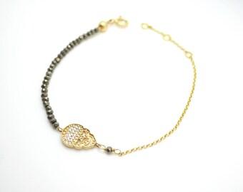 unique skull bracelet. sparkly pyrite bracelet