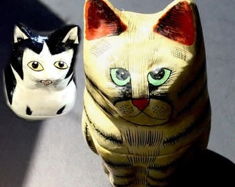 Paper mache cat boxes, two kitty jewelry holders, Harmony style hollows, vintage cat collectibles