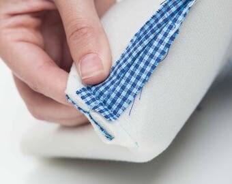 2 metres Style Vil by Vlieseline® Vilene® Foam lightweight interfacing fabric sew in Black or White - Bag making