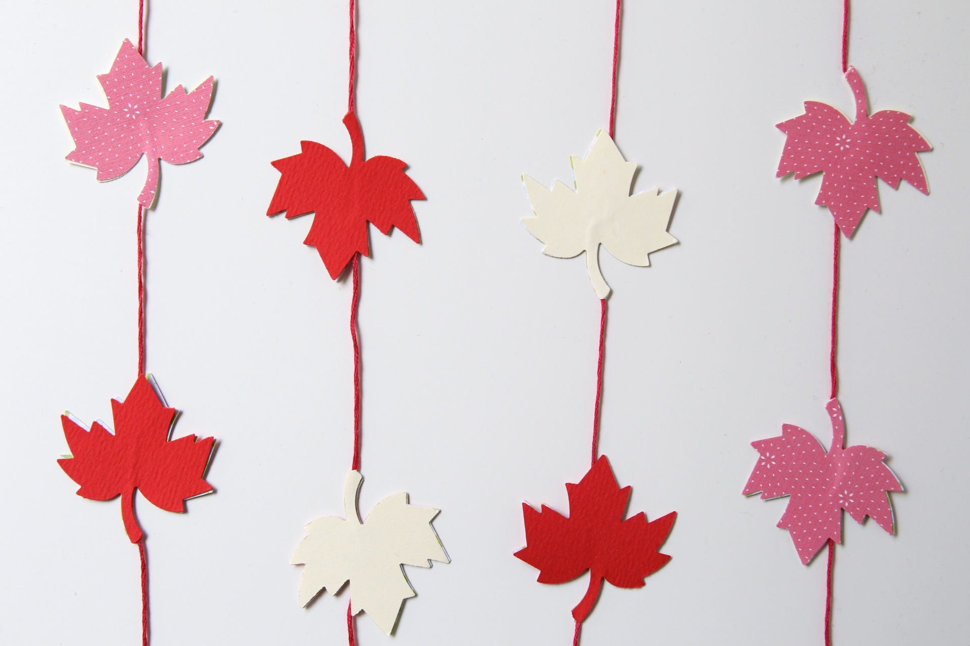 Paper Garland - Maple leaves - Red, white, pink - Decor for ...