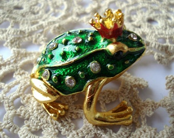 Vintage Frog Jewelry Box,Green Brass Color Sculpture/ Trinket Box/ Ring Holder/ Home Office Decor
