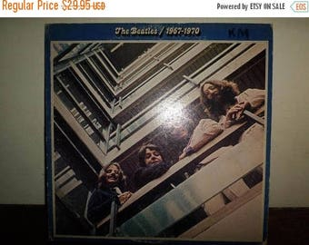 Save 30% Today Vintage 1975 LP Record The Beatles 1967-1970 Apple Records All Rights Reserved Label Very Good Condition 10442