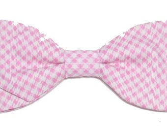 Bow tie pink and white gingham diagonally with sharp edges