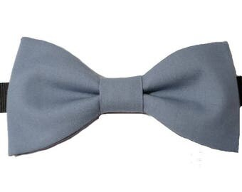 Grey blue bowtie with straight edges