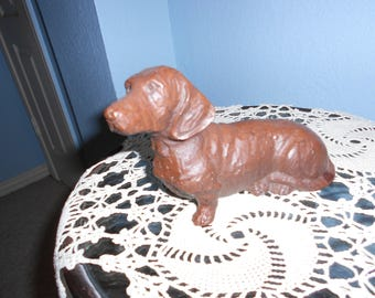 Red Mill Manufacturing Dachshund Figurine