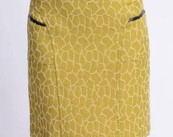 Straight skirt in a beautiful yellow textured cotton yarn