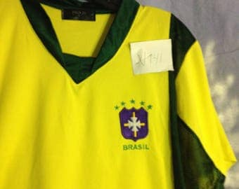 V141 Pro 21 Brasil soccer jersey yellow with green size M