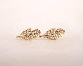 Puces d'oreilles minimalistes plume / feuille