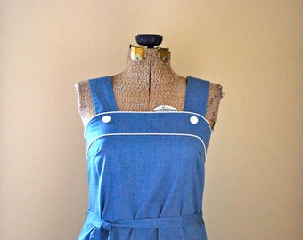 Blue summer dress with white piping & pocket detailing
