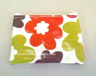 Coin purse in bright flowers, retro pattern, ladies change purse, card wallet, zipped pouch, oilcloth purse, pocket purse, coin purse